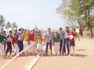 Mangalore - Joyland School football mit John Morrissey 2015