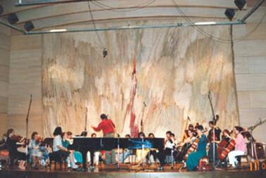 Frauen Kammerorchester in Linz  Bruckner Haus Dirigent Michael Dietrich
