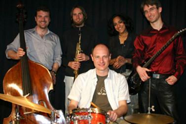 Pottendorf - VJH-Saal - Classic meets Jazz II - Richard Barnert, Peter Natterer, Richard Graf, Uli Pesendorfer - Mai 2006